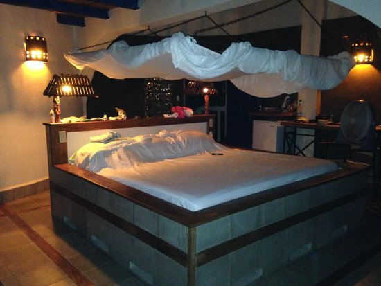 MYRINaMAR Bed & Breakfast : Beautiful bed