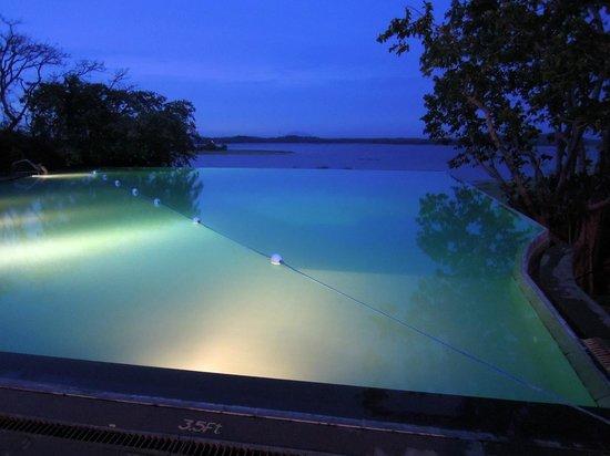 Heritance Kandalama: One of the pools