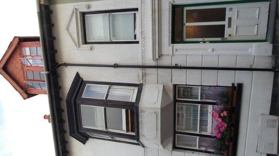 Shelley Town Residence: Fachada da casa