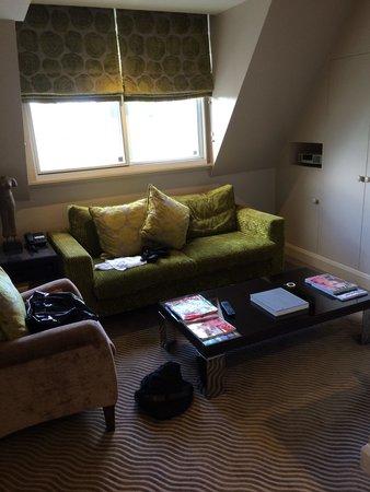 Radisson Blu Edwardian Kenilworth Hotel : Lounge in suite room 616