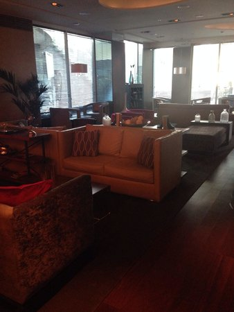 Renaissance Santiago Hotel: Lounge subsolo