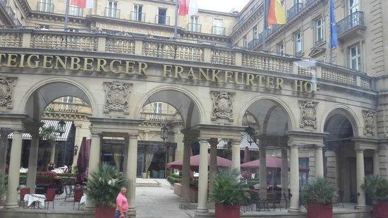 Steigenberger Frankfurter Hof: .