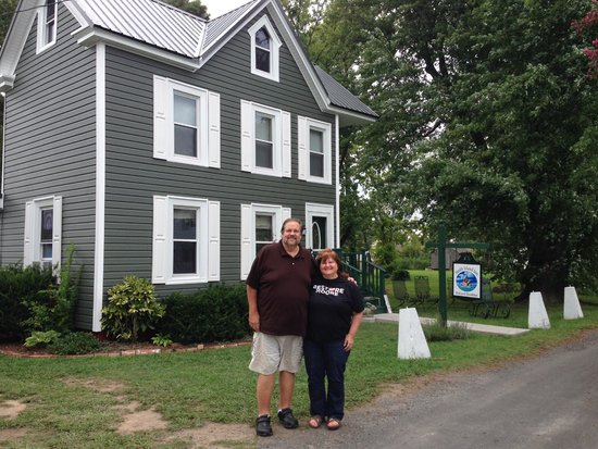 Smith Island Inn: The romantic outside of the bed and breakfast with Dr. Jim and Sally enjoying a weekend getaway!