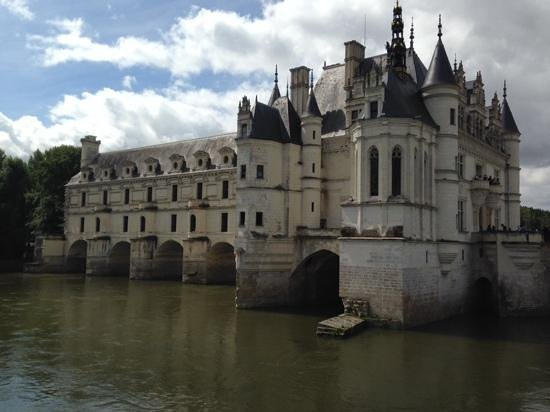 Chateau de Chenonceau: veiw from the outside