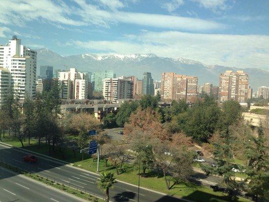 Renaissance Santiago Hotel: Vista do quarto, 8@ andar.