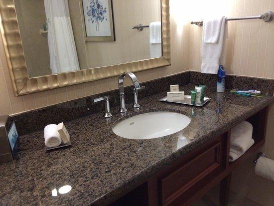 Hilton Arlington: Servicios