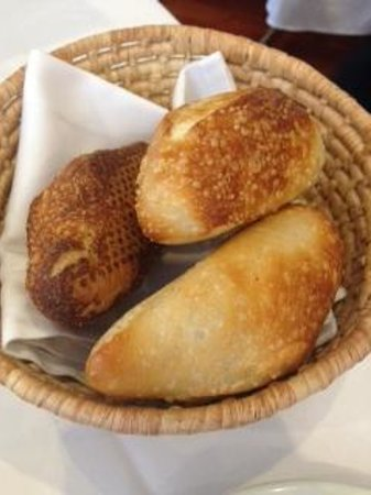 Restaurante El Cardenal: Delicious crunchy bread