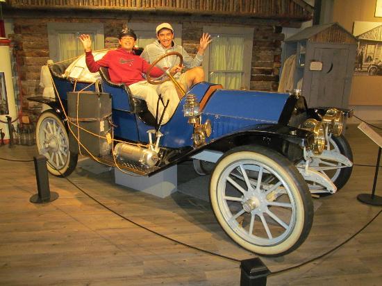 Fountainhead Antique Auto Museum: Photo-Ops Galore