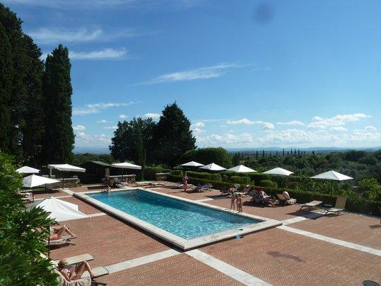 Borgo Scopeto Relais: Pool 1 nearest to the hotel
