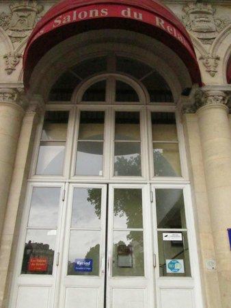 Kyriad Paris 10 - Gare De L'Est : porta entrada
