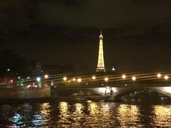 Bateaux Parisiens : Torre Eiffel desde el Sena
