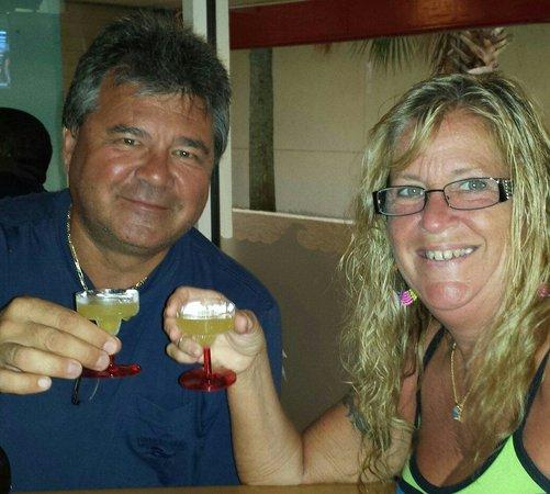 Crabby's Beachwalk Bar & Grill: Margarittas anyone
