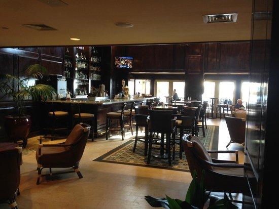 The Shores Resort & Spa: Inside Bar