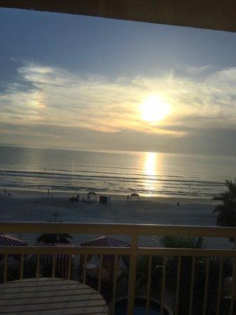 The Shores Resort & Spa: Sunrise