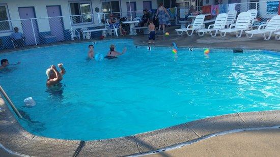 Fountain Motel: pool