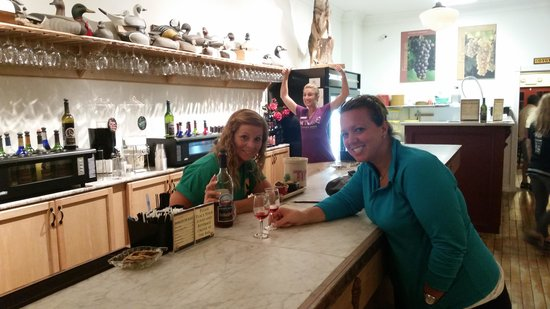 Coyote Moon Vineyards: great times :-)