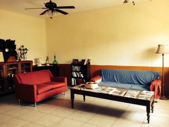 Olga Querida: Living room area