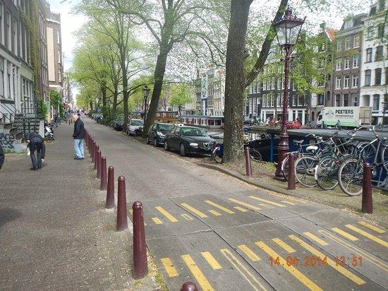 Amsterdam Wiechmann Hotel: Rua do Hotel