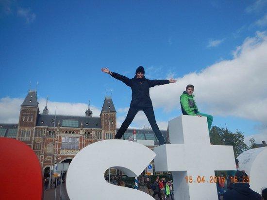 Museum Quarter: I LOVE AMSTERDAM