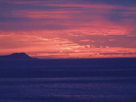 Casa Costa Azul : Amazing sunrise