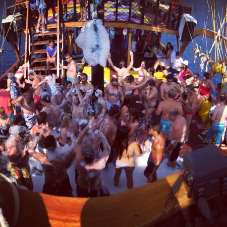 Oludeniz Beach Hanibal Tours party