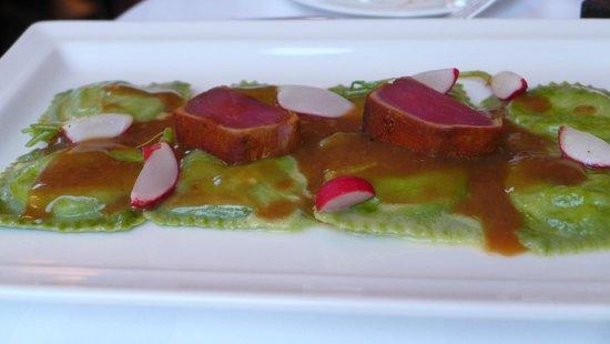 SCALA RESTAURANT - Art Deco Hotel Montana : Feast for the eyes too