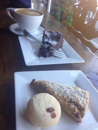 East Bay Coffee Company: Latte, flourless chocolate cake, blackberry scone, macaron