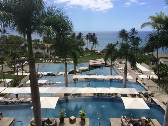 Andaz Maui At Wailea: View of pools from lobby