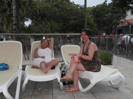 Hotel Riu Yucatan: a la orilla de la pileta principal