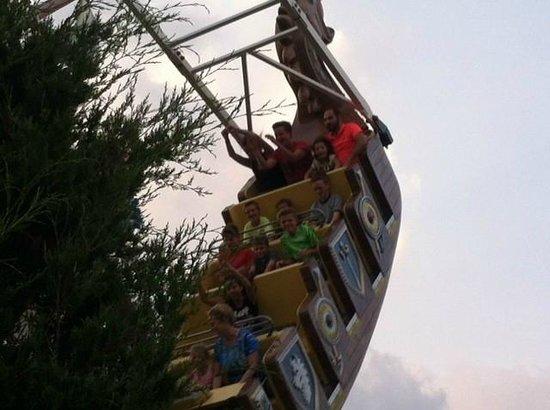 Funland : Pirate ship ride