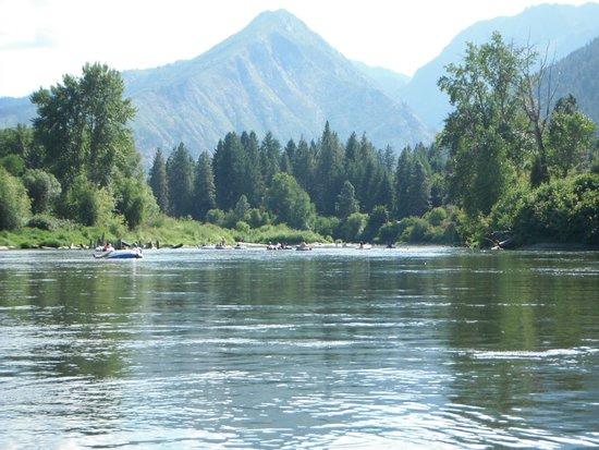 Osprey Rafting: Nice scenery