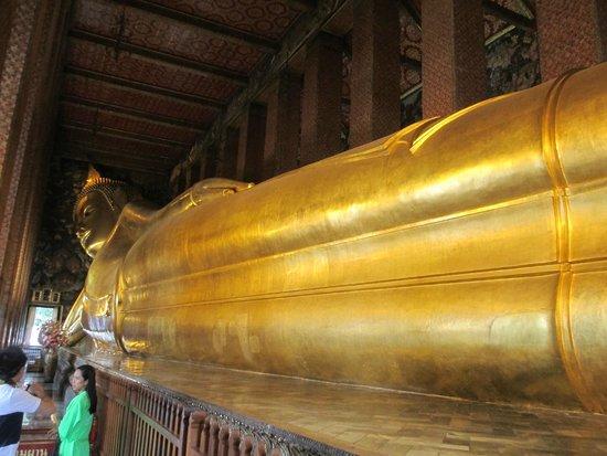 Wat Pho (Tempel des liegenden Buddha): Reclining buddha