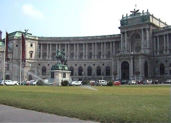 Historisches Zentrum von Wien: Hofburg New Palace