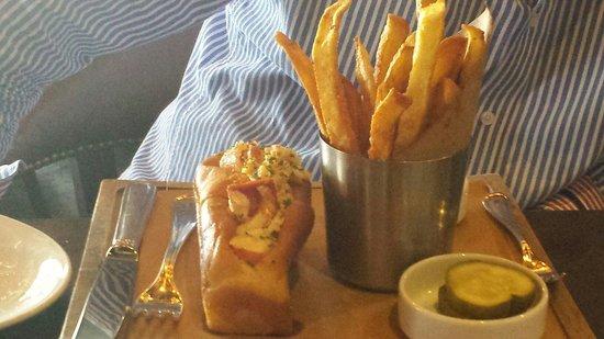 Water Grill Santa Monica: Lobster roll