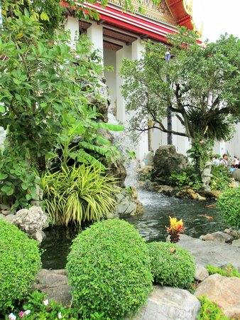 Wat Pho (Tempel des liegenden Buddha): Around the grounds