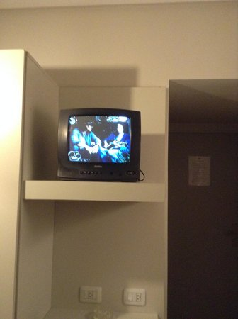 Victory Hotel: televisores pequeños