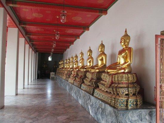 Wat Pho (Tempel des liegenden Buddha): Buddhas