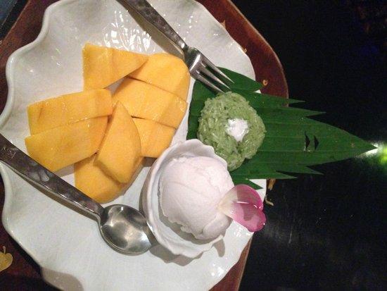 Kinnaree Gourmet Thai Restaurant & Bar: Mango sticky rice