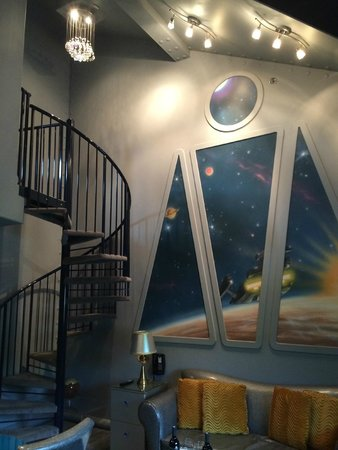 The Roxbury, Contemporary Catskill Lodging: The Final Frontier (main room)