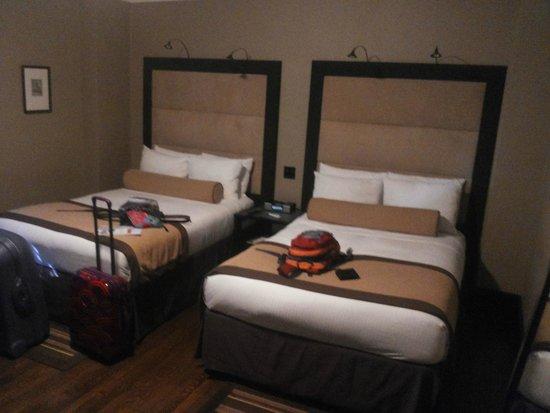 The Mansfield: Cómoda habitación