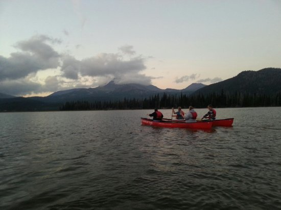 Wanderlust Tours: Sparks Lake Starlight Canoeing!