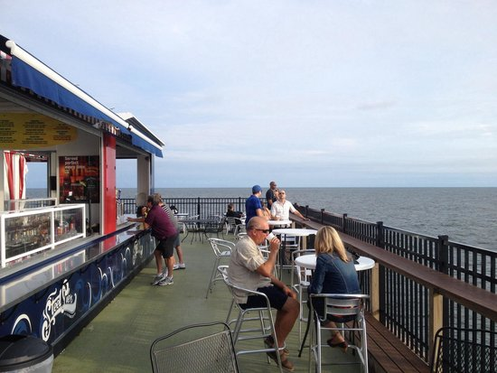 Atlantic City Boardwalk: Bar at end of pier