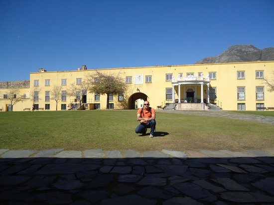 Castle of Good Hope: Patio interno