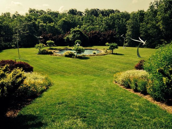Newtown, PA: Large garden