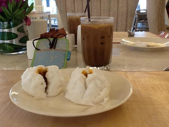 Rest Detail Hotel Hua Hin: Mmm BBQ Pork Buns and Iced Coffee for Breakfast