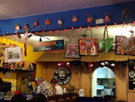 Cholos Homestyle Mexican Restaurant: Inside cholos