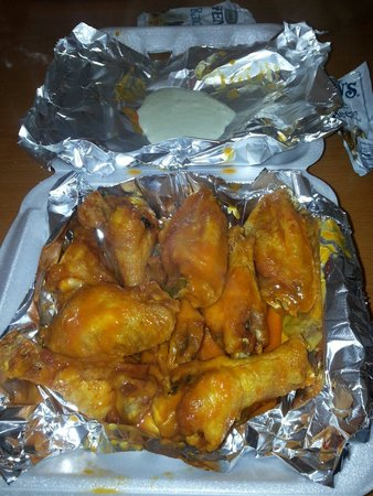 Munchies 420 Cafe: Wings!