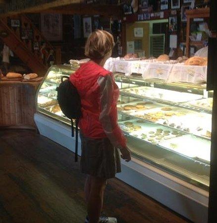 Door County Bakery : Display Case