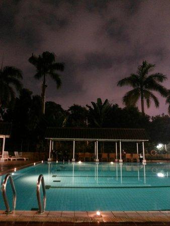 Century Park Hotel: the pool