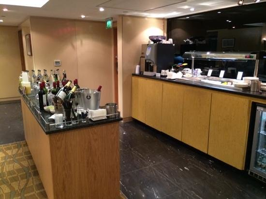 Crawley, UK: Bar area in executive lounge